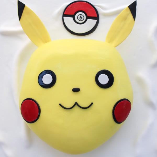 Pokémon Pikachu Cake